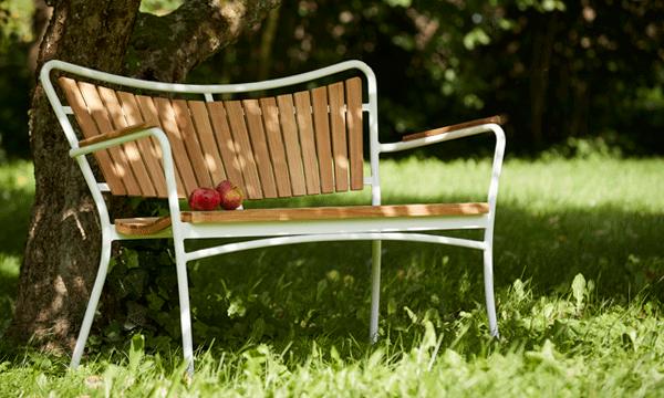 Rengøring og vedligeholdelse af havemøbler
